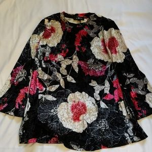 Amy Byer Floral Bell Sleeve Top